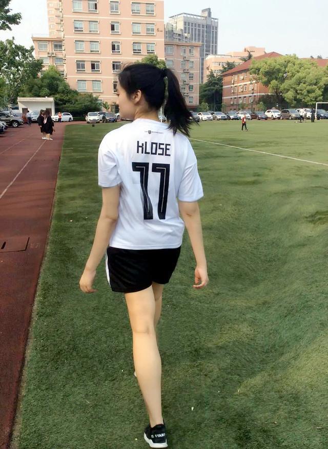 世界杯来啦汤梦迪作客时尚聊球_重庆快乐十分