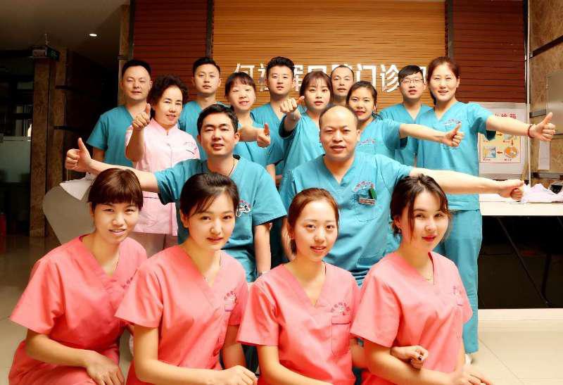 伊宁市口腔行业带领者,何祖辉口腔助力牙病患者重回健康生活