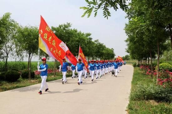 沧州健协成功组织健走爱好者南大港湿地低碳文明出行纪实