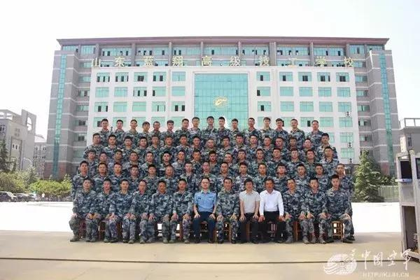 山东技校找蓝翔_蓝翔技校又火了,这次中国空军都来找它了