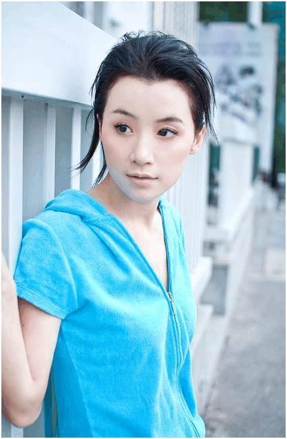 在该部电视剧中姚芊羽所饰演赫舍里芳儿,刚毕业就有机会出演的姚芊羽,把剧情中人物图片