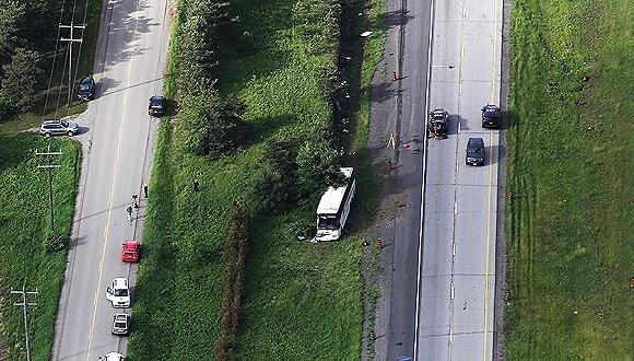 加拿大大巴事故已致1人身亡1人伤情危急,3人伤势严重图片