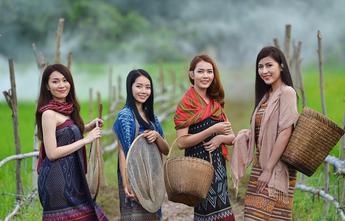 亚洲一�_亚洲唯一一个一妻多夫国家:毗邻中国,亚洲四小虎,著名
