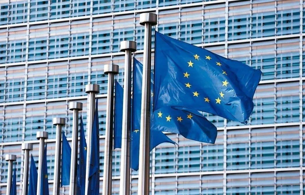 欧盟经济总量比美国_美国欧盟(2)