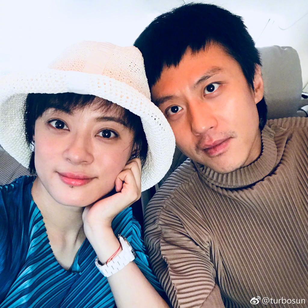 孙俪邓超结婚照片_不只孙俪和邓超 娱乐圈这些明星都是结婚十年的老夫老妻了