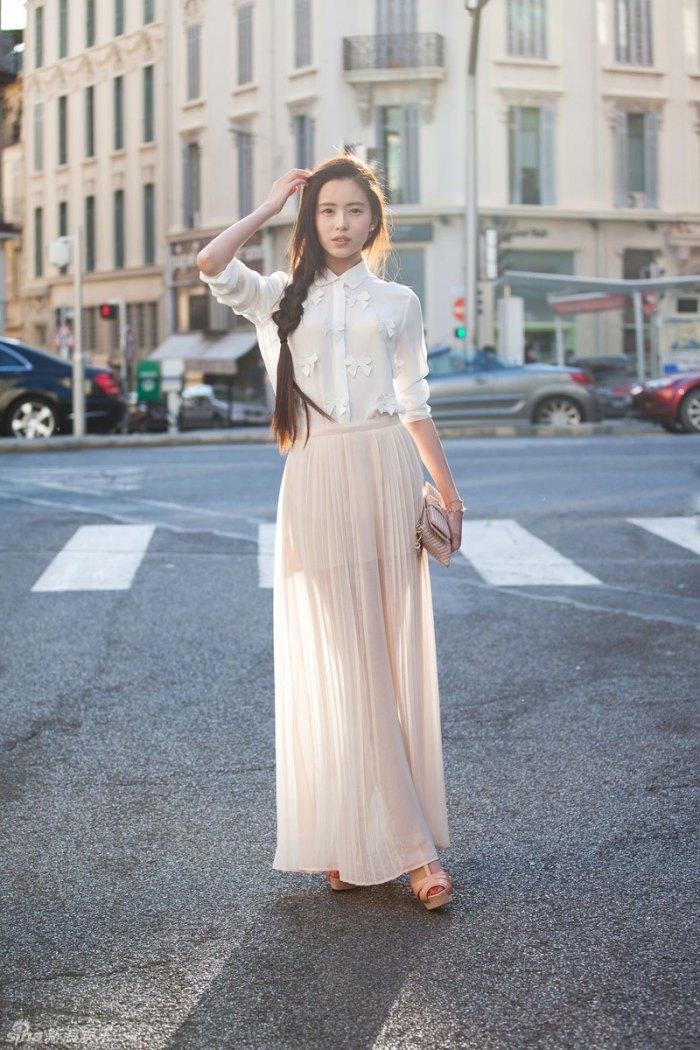 纱裙要这样搭配 夏季穿纱裙给你不一样的感觉