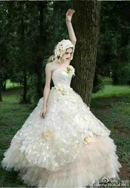 日系的婚纱,欧美的模特,森林里的爱丽丝,美哭了