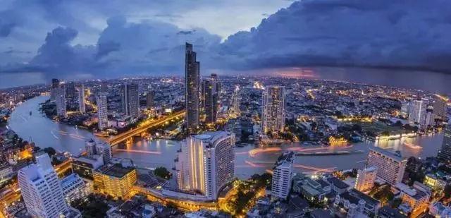吉隆坡的gdp_中产危机 中年危机 是什么让他决定抄底吉隆坡