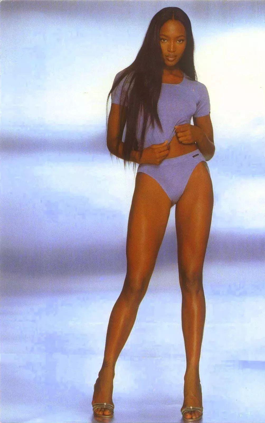 撕X万金油 / 传奇超模黑莓女战士Naomi Campbell婊情包