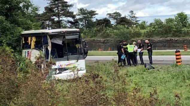 中国旅游团加拿大401车祸 死者增至2人 游客魂断图片