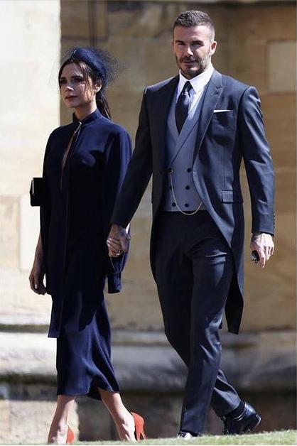 贝克汉姆参加婚礼_小贝夫妇为筹善款拍卖参加哈里王子婚礼礼服