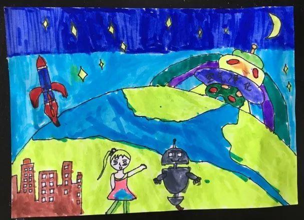 一二年级的小朋友也不甘落后,他们舞动画笔,绘制出一幅幅精彩的科学幻图片