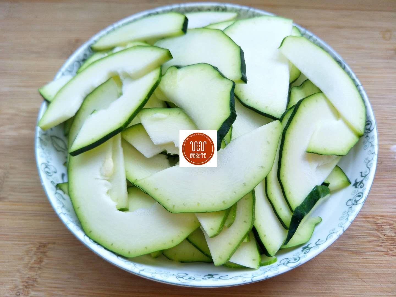 夏季清淡小炒_一道适合夏季食用的素小炒,低脂低盐清新爽口,上桌比肉菜受欢迎
