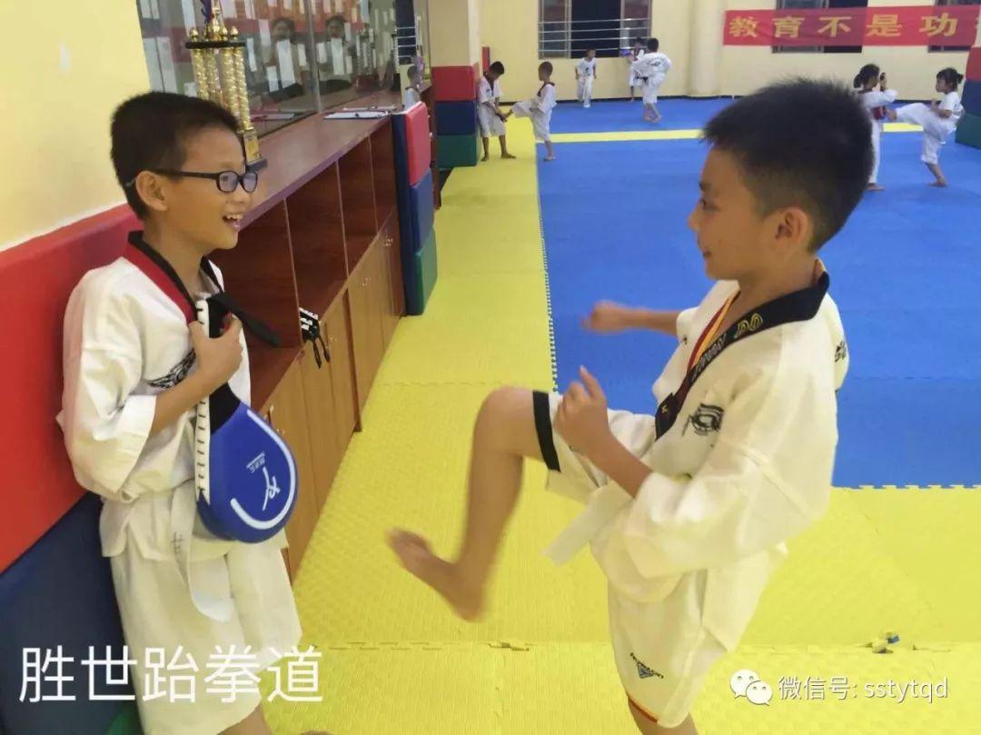 马云:体育可以让一个孩子真正成为一个人,而不是学习的机器!