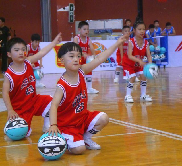 中国篮球_2018中国小篮球联赛开打啦!