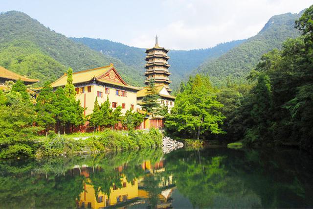 杭州临安天目山旅游_旅游 正文  天目山位于浙江西北部的临安市境内,素有\