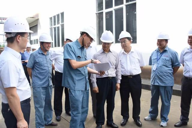 坚定不移做大工业经济总量_工业产品设计
