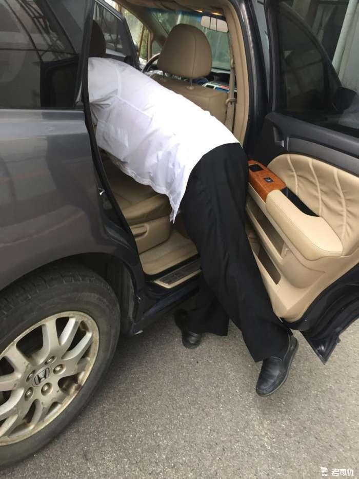 本田超保值家用MPV 大皮子座椅比别克GL8舒服 艾力绅性价比没它高