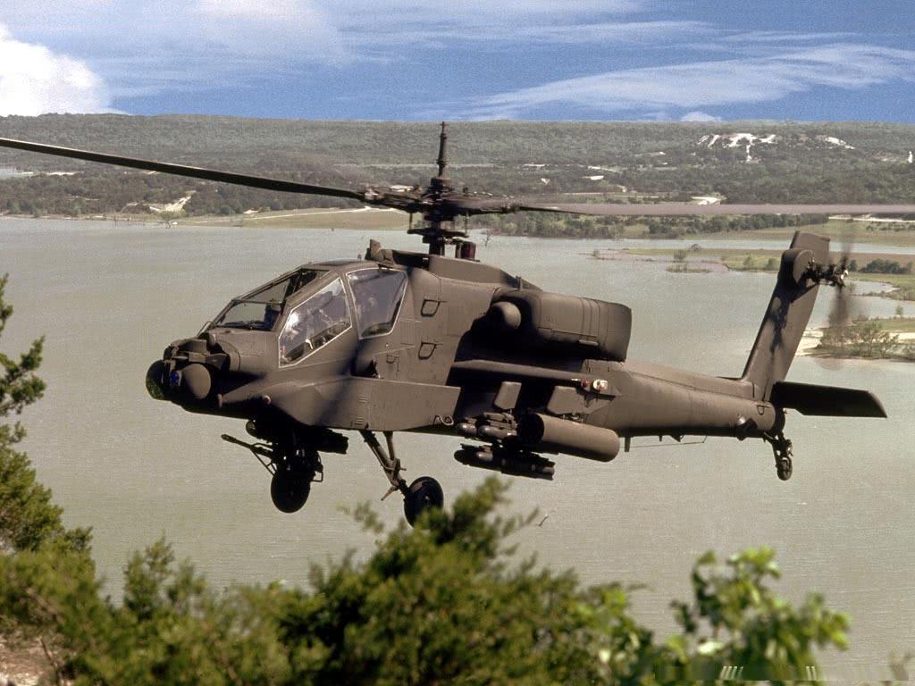 军用直升机螺旋桨有的是三片叶子,而有的却是两片叶子图片