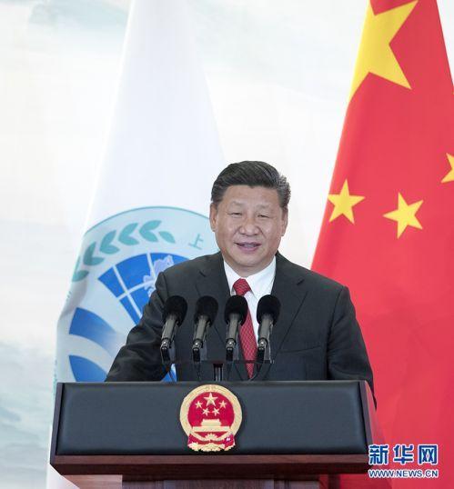 习近平欢迎出席上海