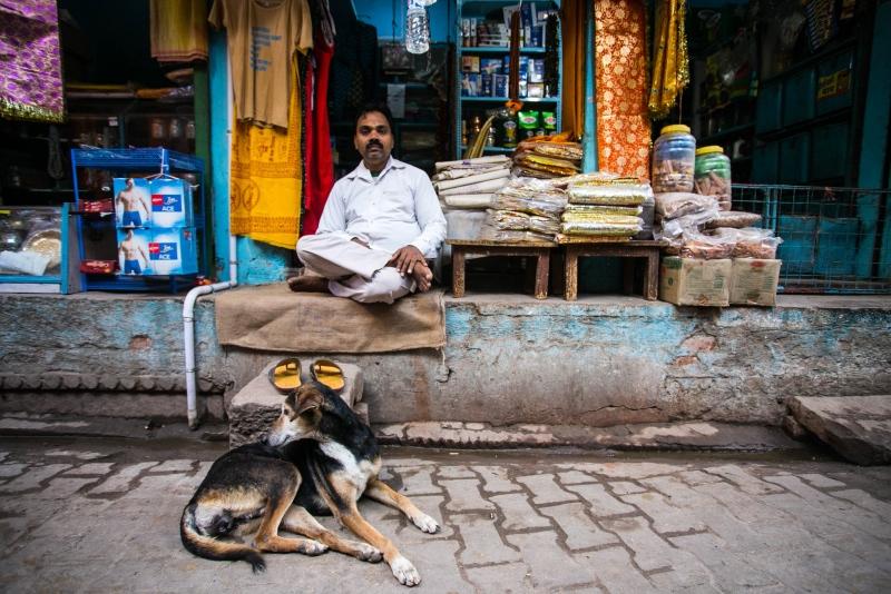 种姓制度封建残酷,外国游客去印度旅游会被当作哪种人呢