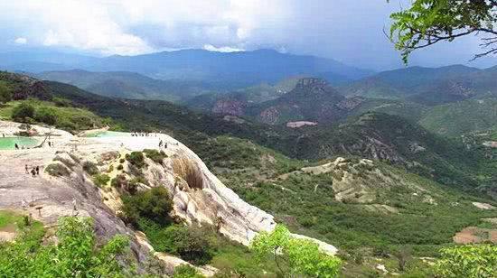 墨西哥的石化瀑布太神奇,看过这条瀑布的情侣,才知道什么叫地老天荒