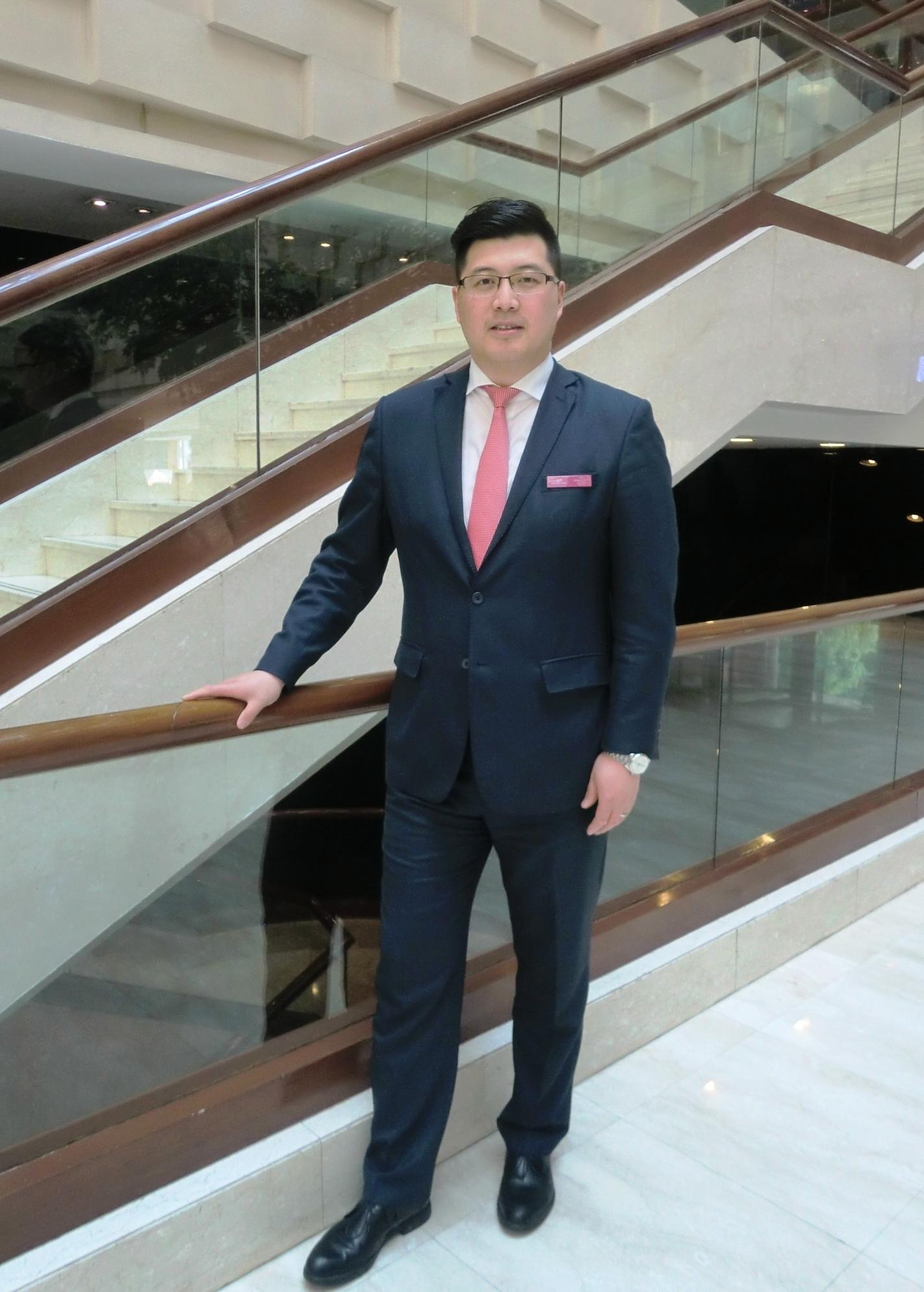 范生伟先生就任北京国际艺苑皇冠假日酒店餐饮部总监