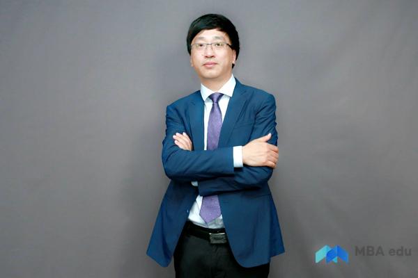 立足本土经济 助推创新创业——专访江南大学商学院副院长武戈教授