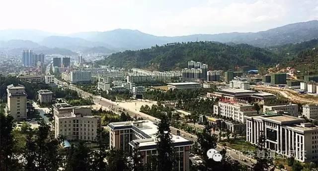 凤庆县人口_临沧8个区县最新人口排名 凤庆县48万最多,双江县19万最少