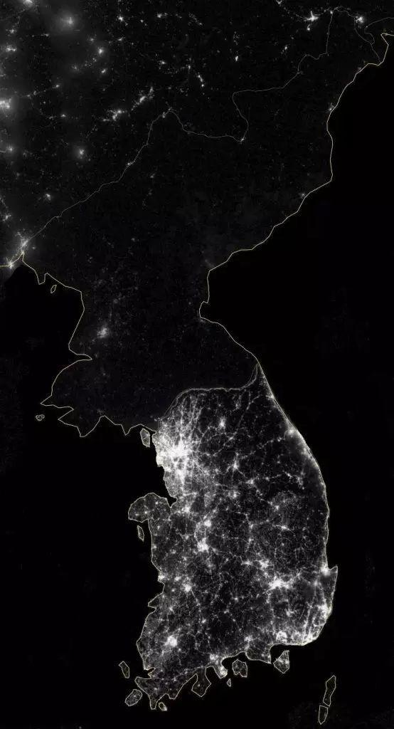 夜晚的灯光:朝鲜与韩国