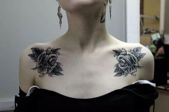 纹身的图案能够很好地展现 结实的肌肉加上性感的纹身图案