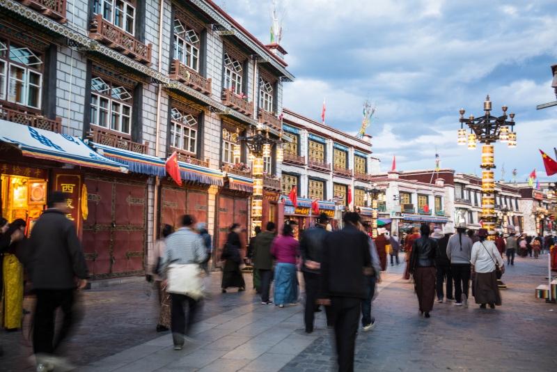 价格不菲的西藏唐卡,从学徒手里买一张就120块钱