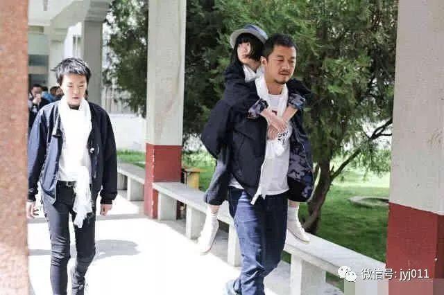 李亚鹏首次坦言与王菲离婚原因:跟女儿李嫣有关