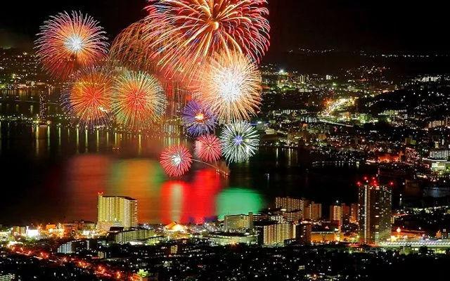 告白圣地,日本夏天绝不能错过的烟火大会!