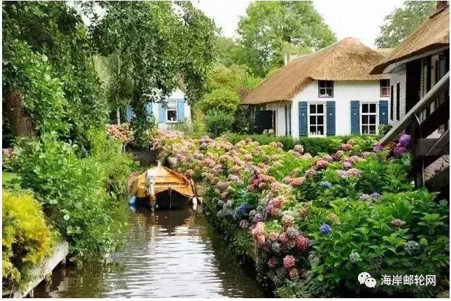 """这个小镇没有路,却被誉为""""荷兰威尼斯"""",推窗就是童话仙境"""