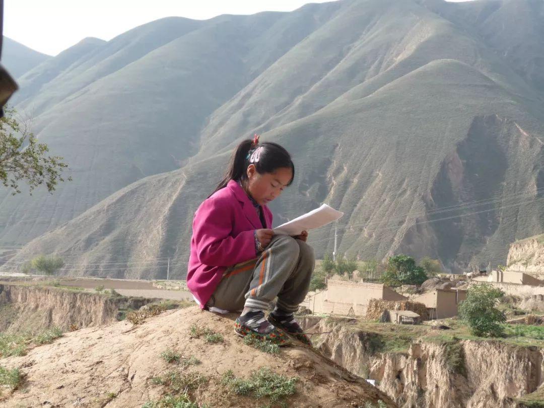 农村女孩、小镇青年和城市少女:三个孩子的折叠人生