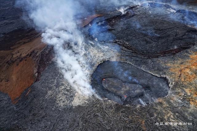 卸掉直升机舱门去拍爆发中的活火山?这才是夏威夷最刺激的玩法