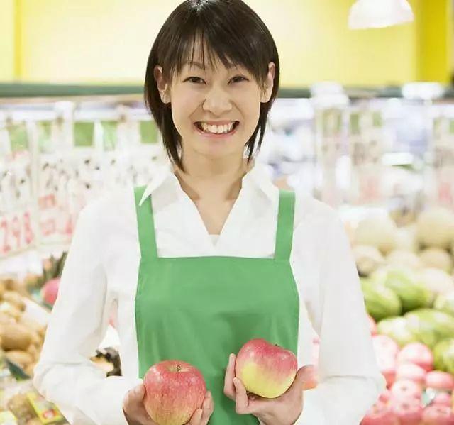 超市促销员图片
