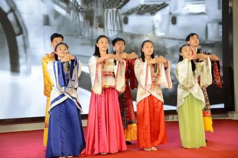 希腊语、瑞典语…上海15所中小学开展小语种学习,有你们学校吗?