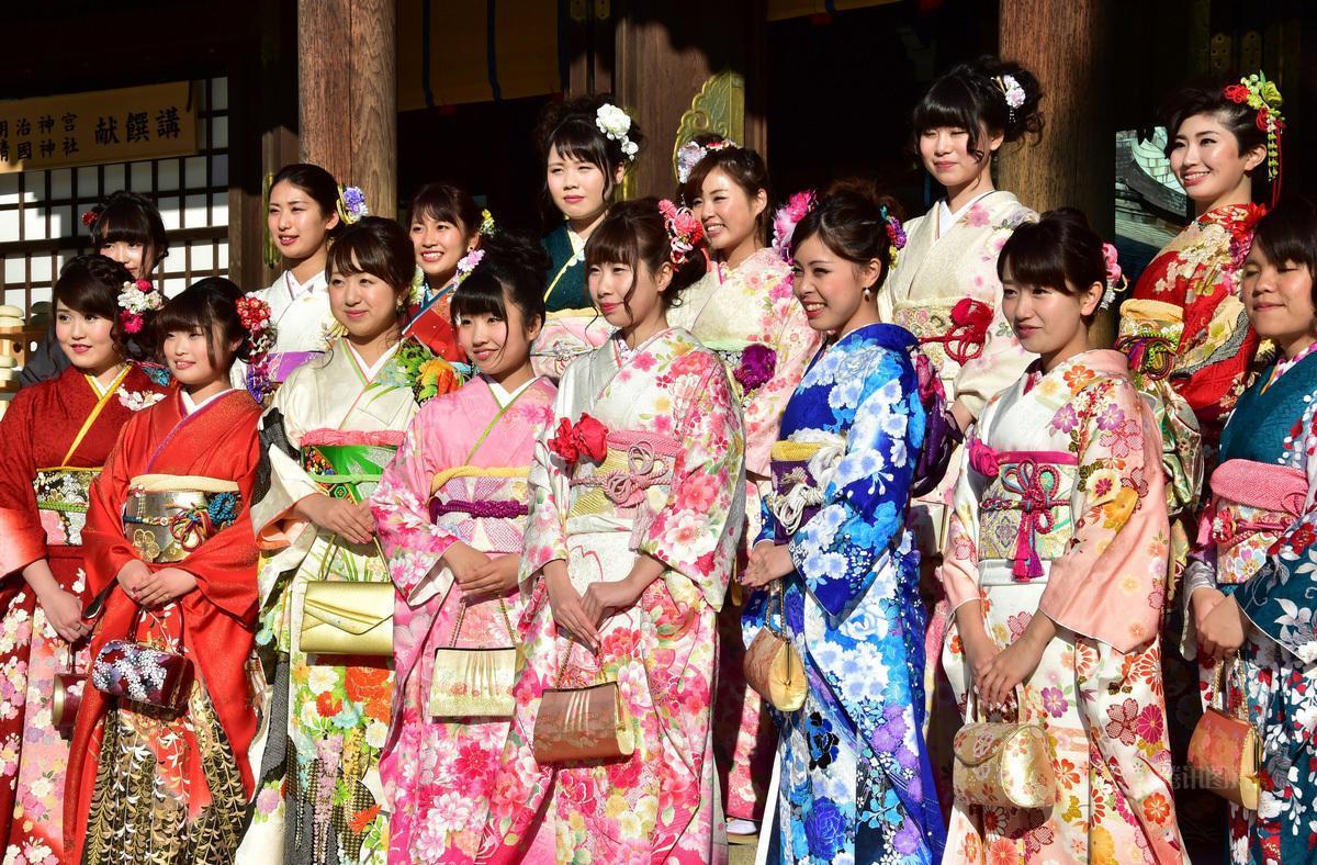 日本歌舞伎町一番街,每天30万游客,来这里猎奇猎艳