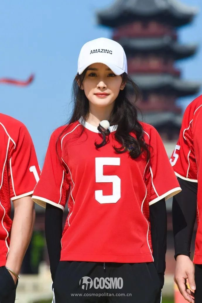我想像杨幂这么穿着去看球! 时尚娱乐 图5