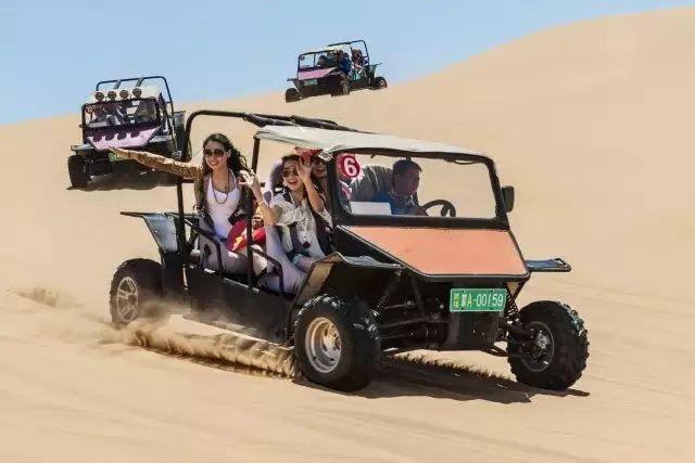一半是草原、一半是沙漠,这才是小长假最应该去的地方!