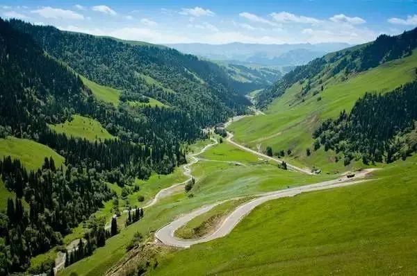 这条荒废了50年的公路,路况差到叹息,风景美到窒息!
