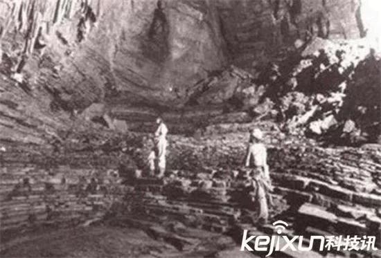 百慕大三角海底现巨型隧道, 可以连通地球和月球