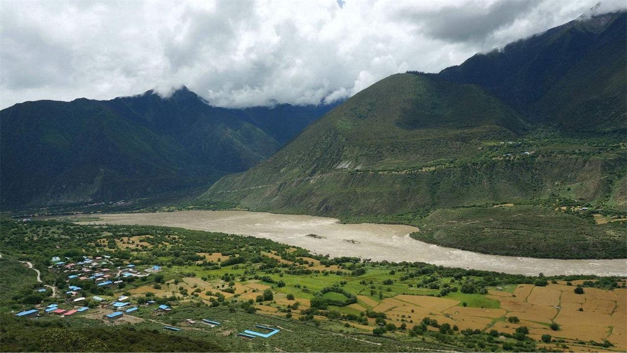 印度急了!如果青藏高原的水不再流向印度,新疆就会成为大粮仓