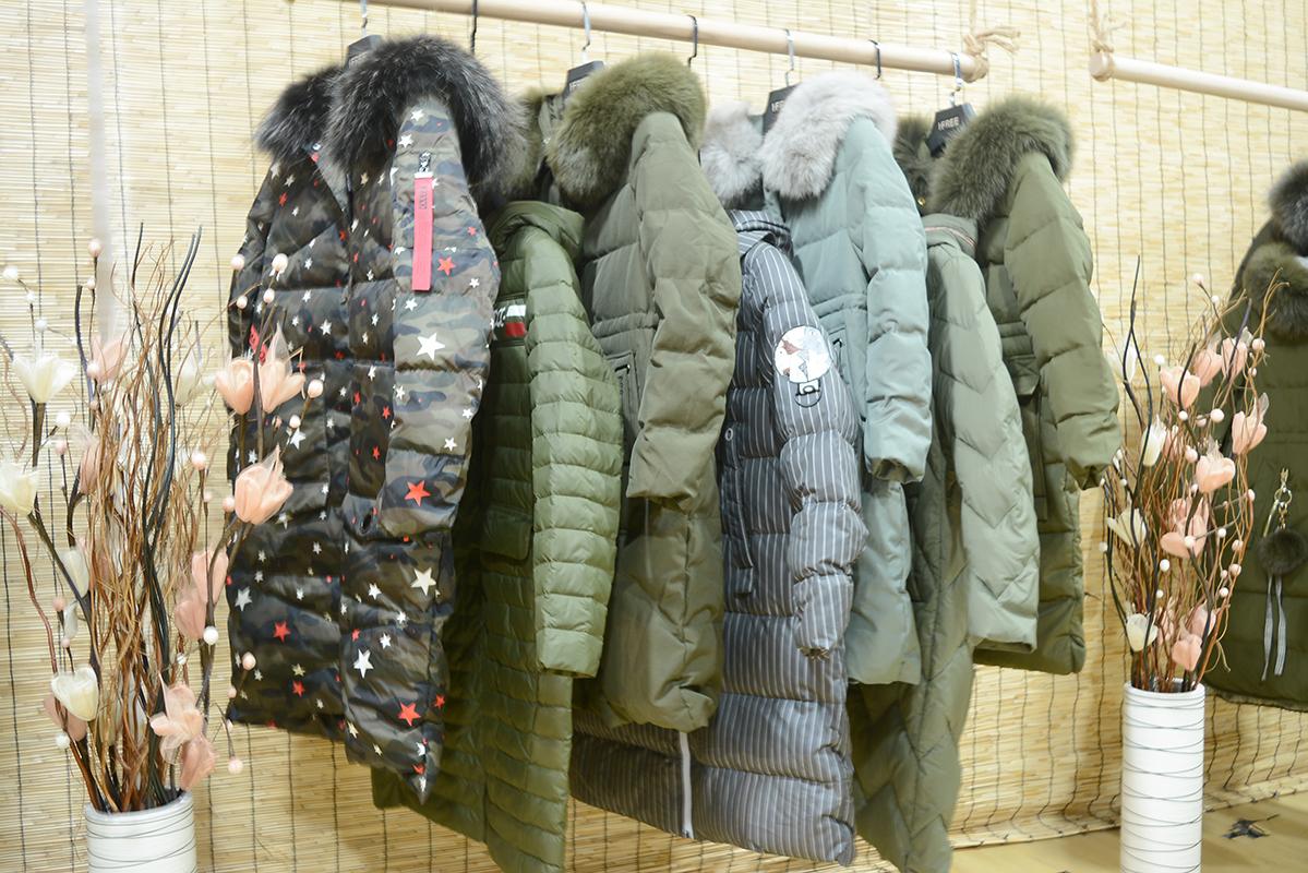 哥芙妮冬季羽绒服品牌女装折扣店创业及货品陈列