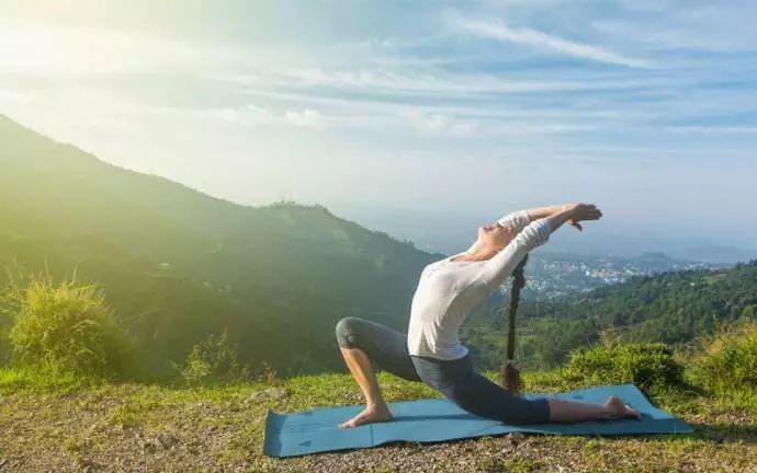 瑜伽视频 | 4分钟简单缓解肩颈疼痛图片