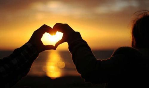 心理学:爱情色彩,9种颜色显露出你的性格及爱情观