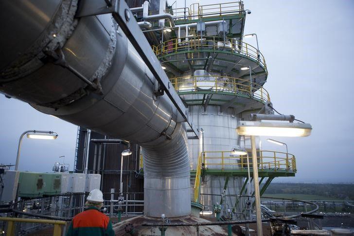 全球大型石油公司纷纷撤离伊朗 中国能否给伊朗雪中送炭?