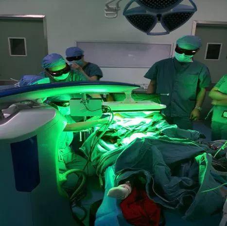 麻醉科与皮肤科合作成功开展我院首例无痛光动力治疗术